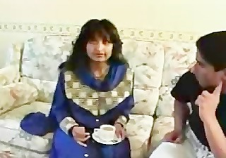 indian milf gets conned into stripping